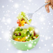 Bowl of salad with vegetables — Stock Photo
