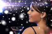 женщина с коктейль — Стоковое фото