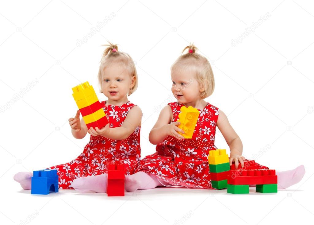 Секс девочки игрушкой 16 фотография