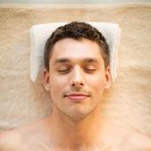 Homem em spa — Foto Stock