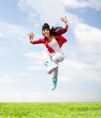 Beautiful dancing girl jumping — Foto Stock