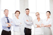 Team amichevole business in ufficio — Foto Stock