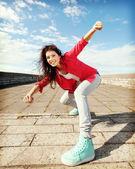 Bella ragazza che balla in movimento — Foto Stock