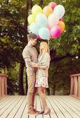 Para z kolorowych balonów — Zdjęcie stockowe