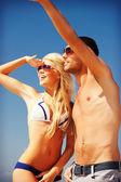 пара, ходить на пляж — Стоковое фото