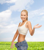 运动型女人显示大裤衩 — 图库照片