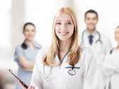 聴診器で女医 — ストック写真