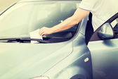 Parking ticket on car windscreen — Stock Photo