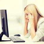 gestresste Frau mit computer — Stockfoto #49703309