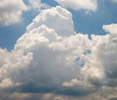 Big white cloud in the sky — Foto de Stock