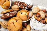Pastry and nuts — Fotografia Stock