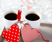 Valentine coffee cups with hearts — Stok fotoğraf