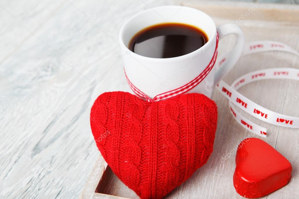Romantic morning valentine greetings - coffee and sweet heart — Stock Photo #17636199