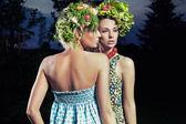 Due donne con lo stile dei capelli eco — Foto Stock