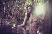 Porträtt av söt och lugn kvinna — Stockfoto