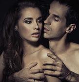 Retrato de um jovem casal sensual — Foto Stock