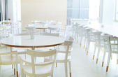 Parlak oda beyaz mobilya — Stok fotoğraf