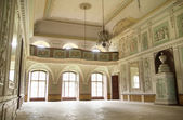 Bright lobby in ancient builidng — Stock Photo