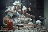 пугающие методы лечения в больнице с привидениями — Стоковое фото