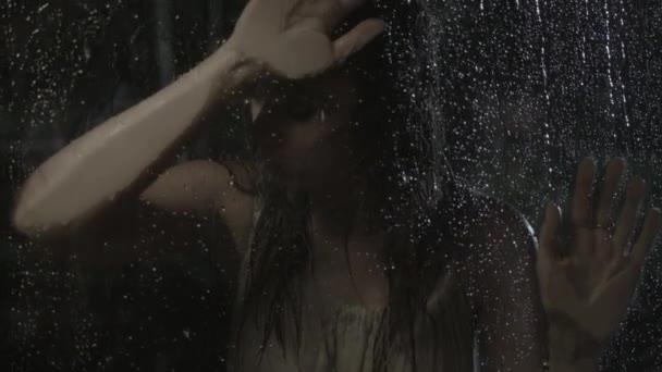 Mujer triste — Vídeo de stock
