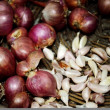 Стоковое фото: Shallots and garlic in basket for cooking