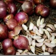 Stockfoto: Shallots and garlic in basket for cooking