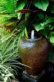 喷泉在陶器 — 图库照片