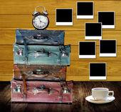 Tiempo para descansar en casa con taza de café y bonita foto recuerdos concepto — Foto de Stock