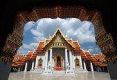 Wat benchamabophit, le temple en marbre du bouddhisme à bangkok, thaïlande — Photo