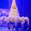 Wedding cake with flower decorate — Stock Photo