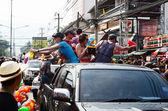 Chiang mai, Tayland - 14 Nisan: insanların zevk suyu birlikte songkran Festivali 14 Nisan 2014 chiang mai, Tayland sıçramasına — Stok fotoğraf