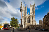 Front facade of Westminster Abbey on a sunny day. London, UK — Foto de Stock