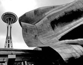 SEATTLE - SEPTEMBER 6: Experience Music Project (EMP) with Seatt — Stock Photo