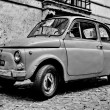 ROME - SEPTEMBER 20: A Fiat 500 on September 20, 2013 in Rome. F — Stock Photo