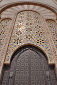 Gates of the The Hassan II Mosque, located in Casablanca is the  — 图库照片
