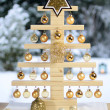 Home-made wooden Christmas tree — Stock Photo #13856190