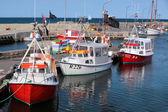 Rybářské lodě v přístavu — Stock fotografie