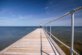 Lange pier am meer — Stockfoto
