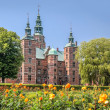 Rose Garden and Rosenborg Palace in Copenhagen — Stock Photo