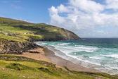 Beach and waves at Slea Head — ストック写真