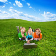 Carefree friends in the park — Stockfoto