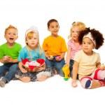 Little's kids Easter egg basket — Stockfoto