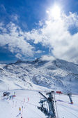 子供たちのスキー場のリフト. — ストック写真