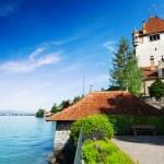 Lake Thun and Oberhofen castle — Stock Photo