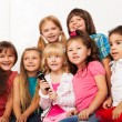 Chorus of kids sing — Stock Photo