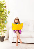 Smart girl reading — Stock Photo