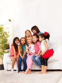 Group of singing kids — Stock Photo