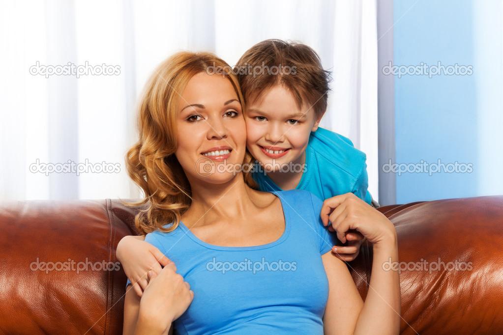 инцент фото мама и сын № 140838 бесплатно