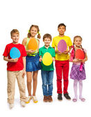 Children holding egg cards — Stock fotografie