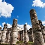 Temple of Thousand Warriors columns Itza Mexico — Stock Photo